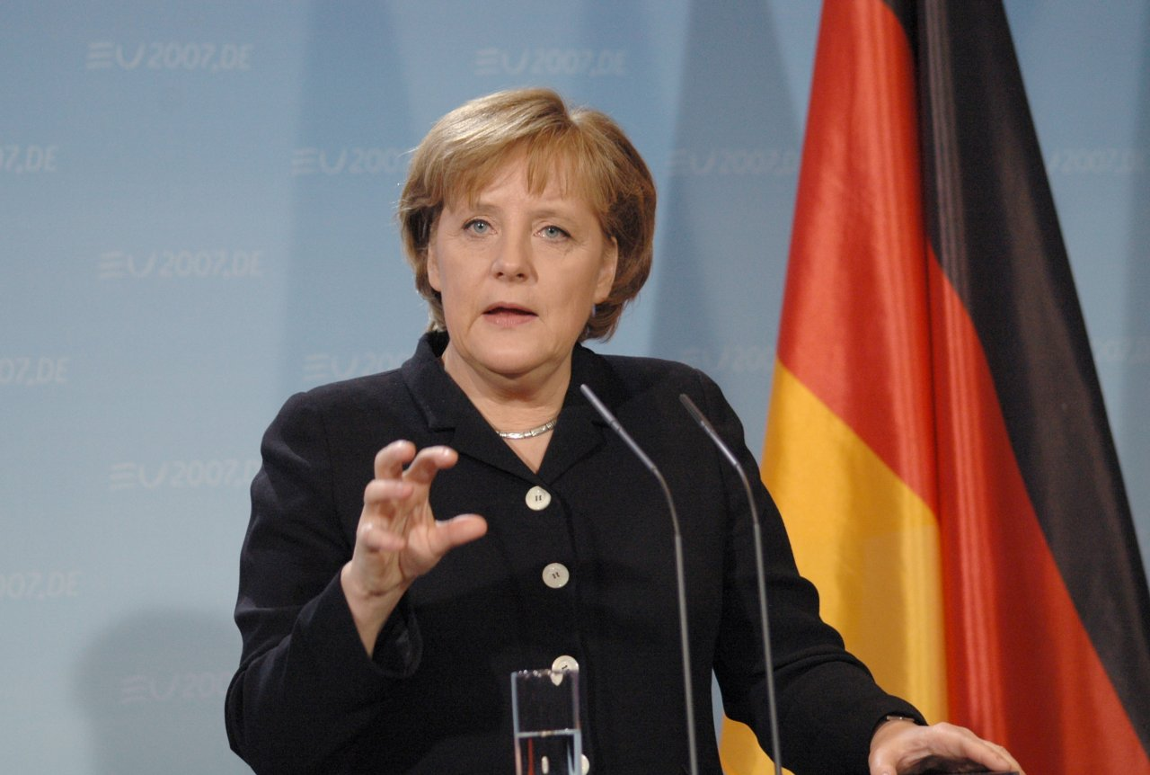 Merkel Set to Win Nobel Prize After Disastrous Year for Europe